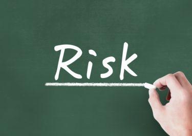 資産運用におけるリスクとは?知識や経験をもとに低リスクで投資を行う方法